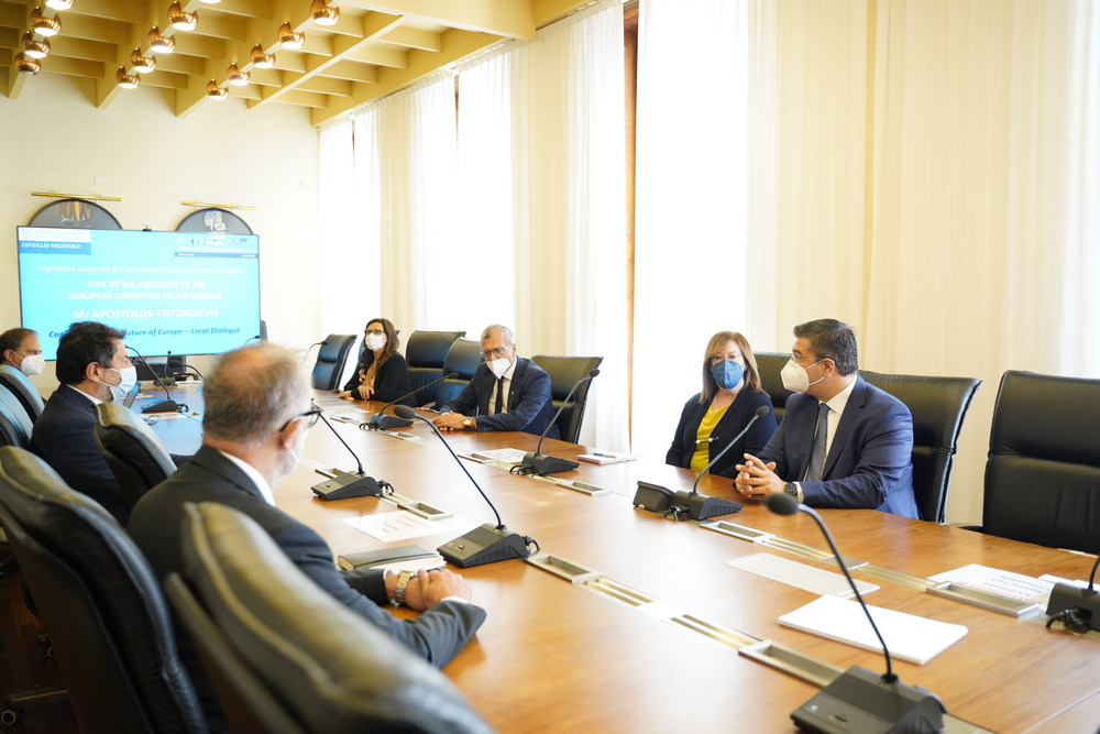 Fvg-Ue: Tzitzikostas su caso Prosecco, no a inganni per consumatori
